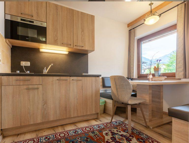 Zimmer mit Wohnküche